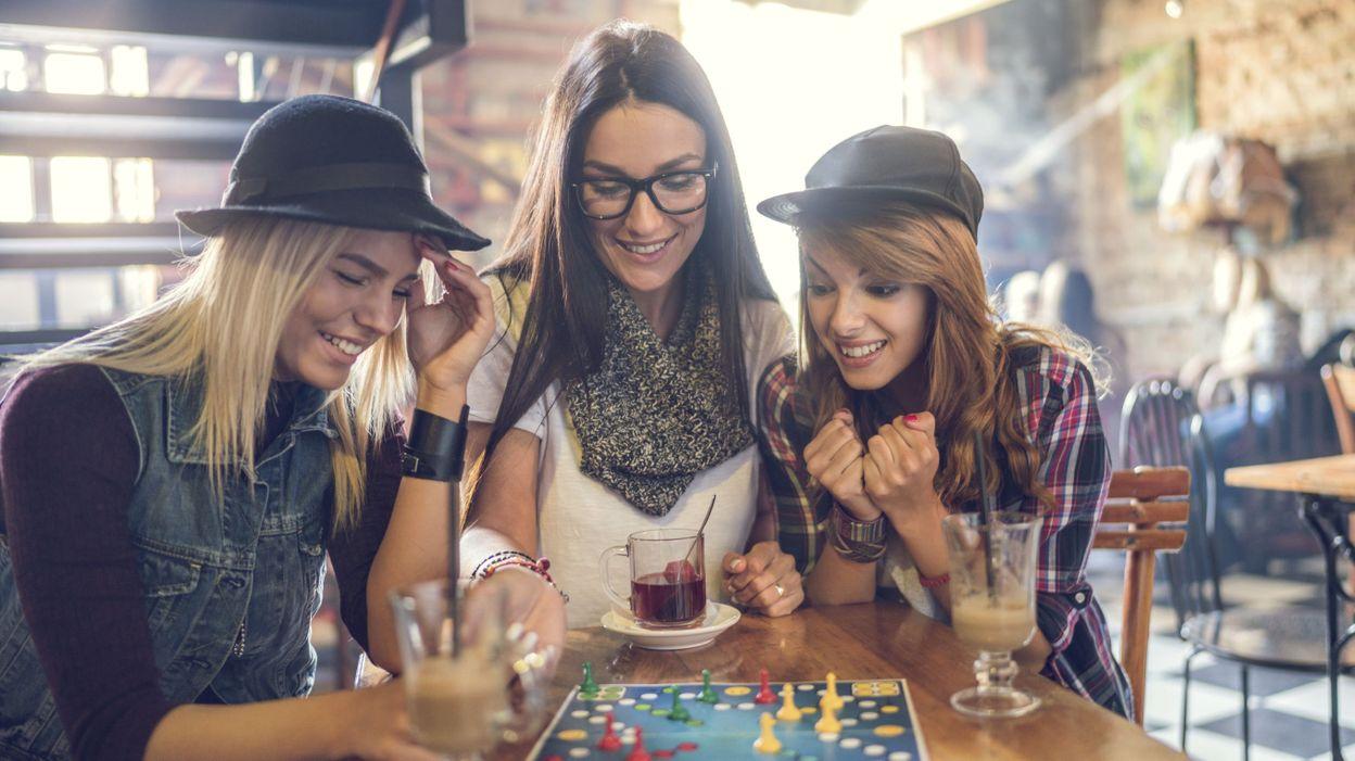 10 jeux de soci t pour les soir es en famille ou entre amis for Menu pour soiree entre amis
