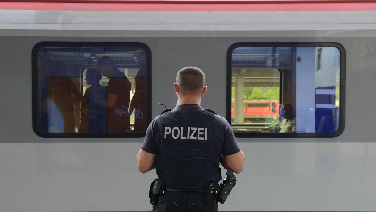 Réfugiés: l'Allemagne réintroduit des contrôles aux frontières avec l'Autriche