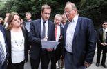 Paul Magnette en action à Ittre, jeudi, en tant que ministre-président wallon.