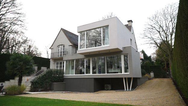extension contemporaine pour maison traditionnelle et cosy. Black Bedroom Furniture Sets. Home Design Ideas